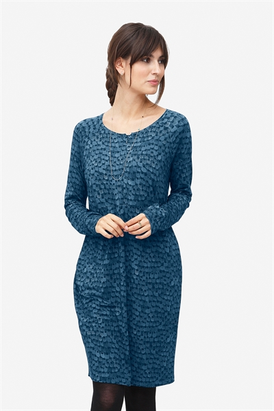 Loose nursing dress in blue print with zipper nursing opening