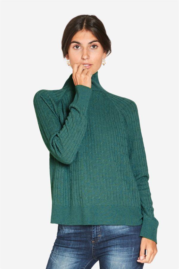 Green breastfeeding pullover in knit